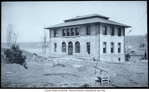 1904  Cold Springs harbor Station for Experimental Evolution