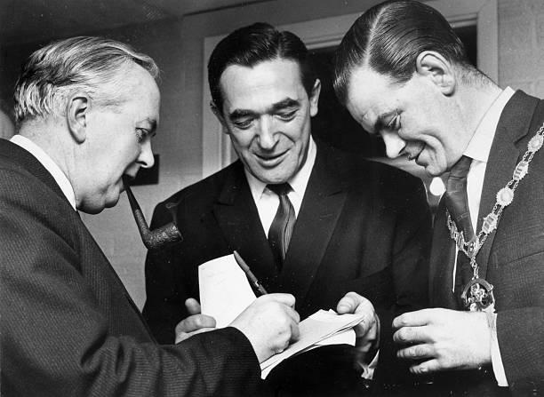 Robert Maxwell meets Prime Minister Harold Wilson, January 1, 1965
